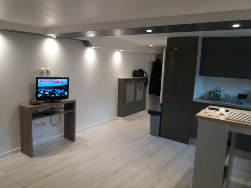 Location appartement Saint germain en laye 750€ CC - Photo 3