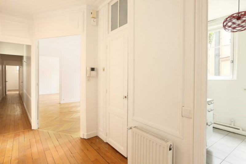 Location appartement Paris 7ème 3 650€ CC - Photo 6