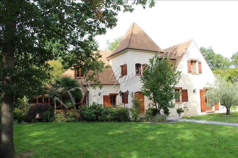 Deluxe sale house / villa Lamorlaye 880000€ - Picture 1