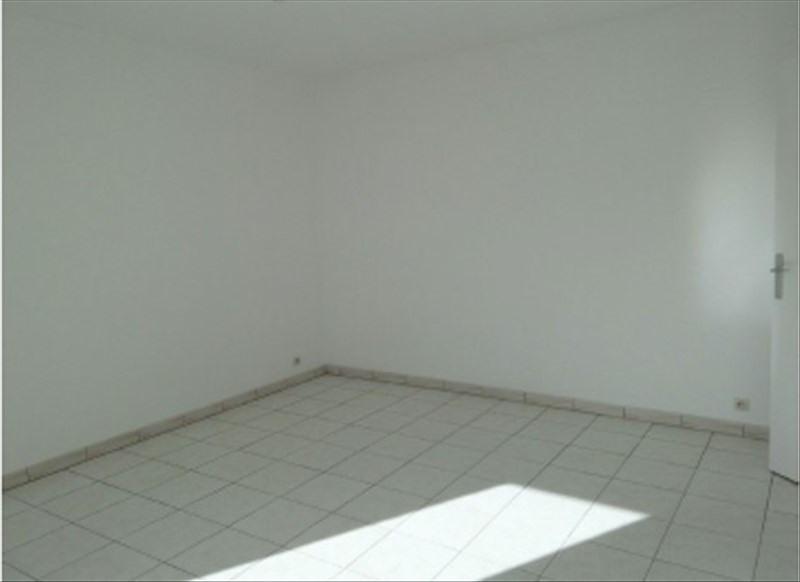Alquiler  apartamento Guyancourt 850€ CC - Fotografía 2