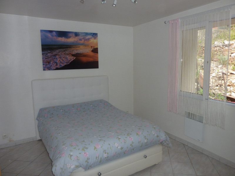 Location appartement Gemenos 765€ CC - Photo 3