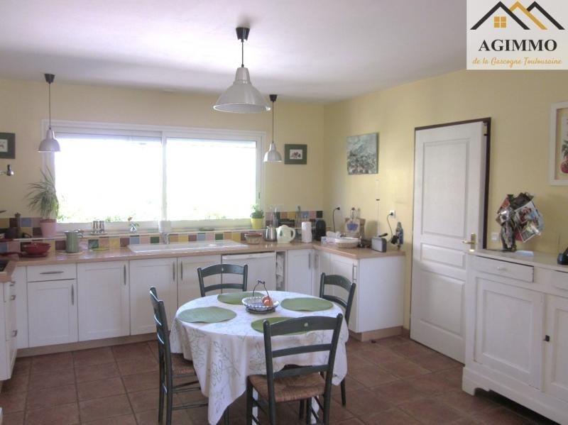 Sale house / villa L isle jourdain 390000€ - Picture 6