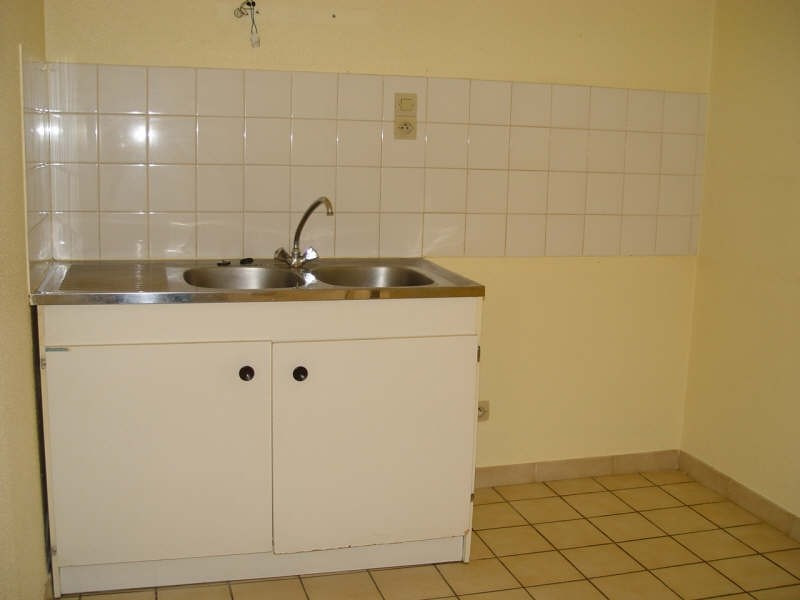 Location appartement Tence 370,79€ CC - Photo 2