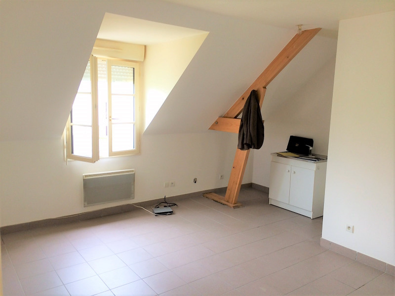 Location appartement Chars 578€ CC - Photo 3