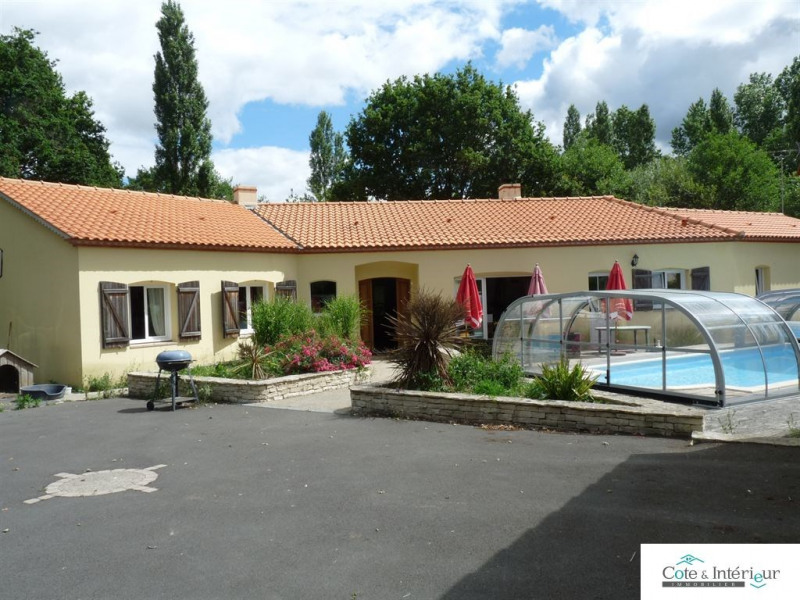 Sale house / villa Grosbreuil 496 000€ - Picture 1