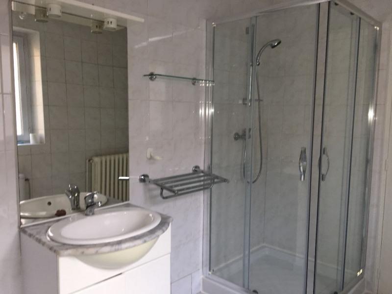 Rental apartment La ville du bois 838€ CC - Picture 3
