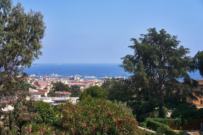 Vermietung von ferienwohnung wohnung Le golfe juan 5400€ - Fotografie 5