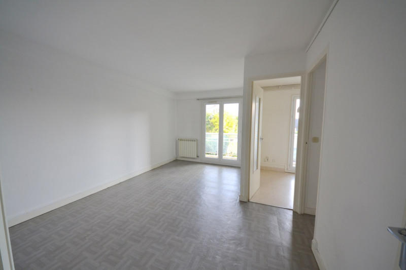 Sale apartment Suresnes 295000€ - Picture 2