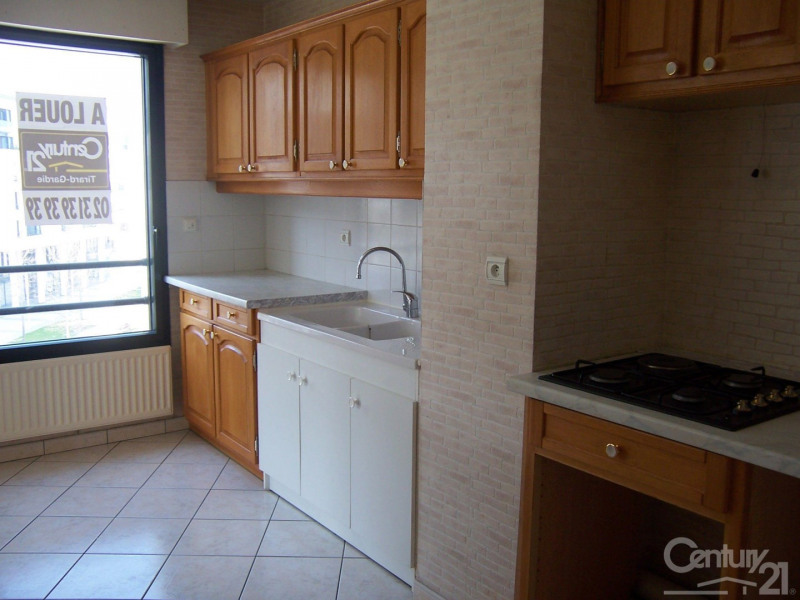 Locação apartamento 14 775€ CC - Fotografia 2