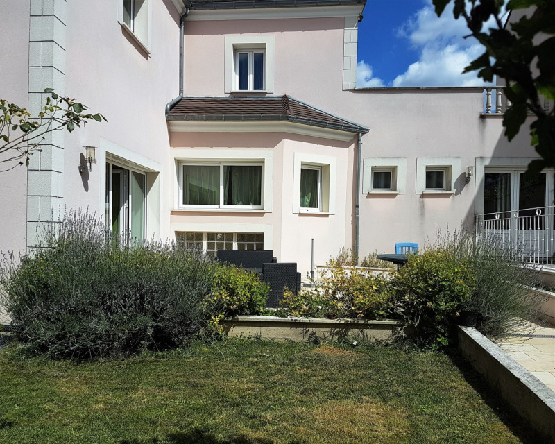 Sale house / villa Montmagny 680 000€ - Picture 2