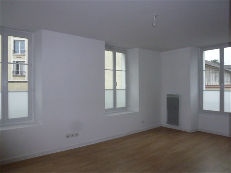 Location appartement Melun 720€ CC - Photo 3