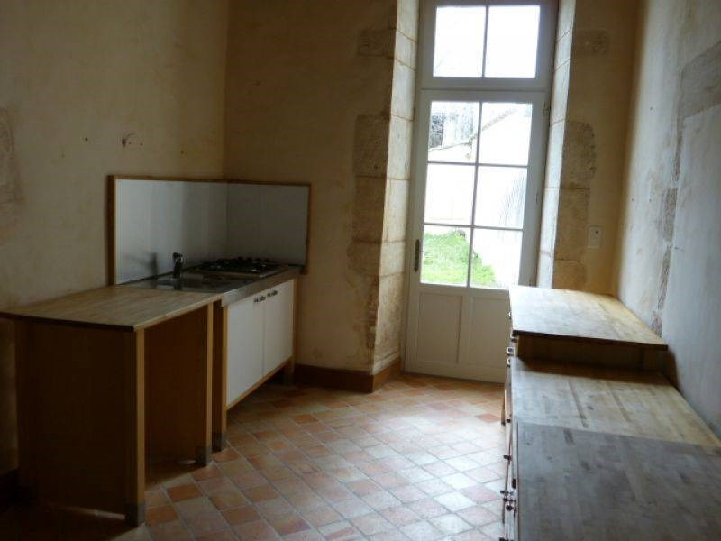 Rental house / villa Barbezieux-saint-hilaire 795€ CC - Picture 3