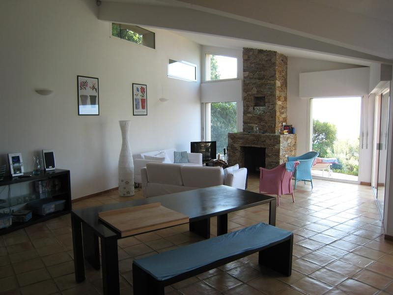 Vacation rental house / villa Cavalaire sur mer 2 500€ - Picture 12