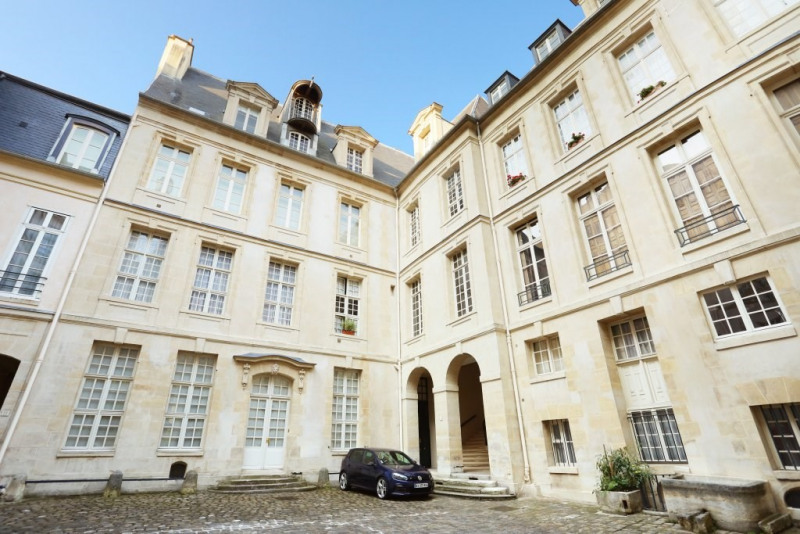 Aрендa квартирa Paris 4ème 8300€ CC - Фото 13