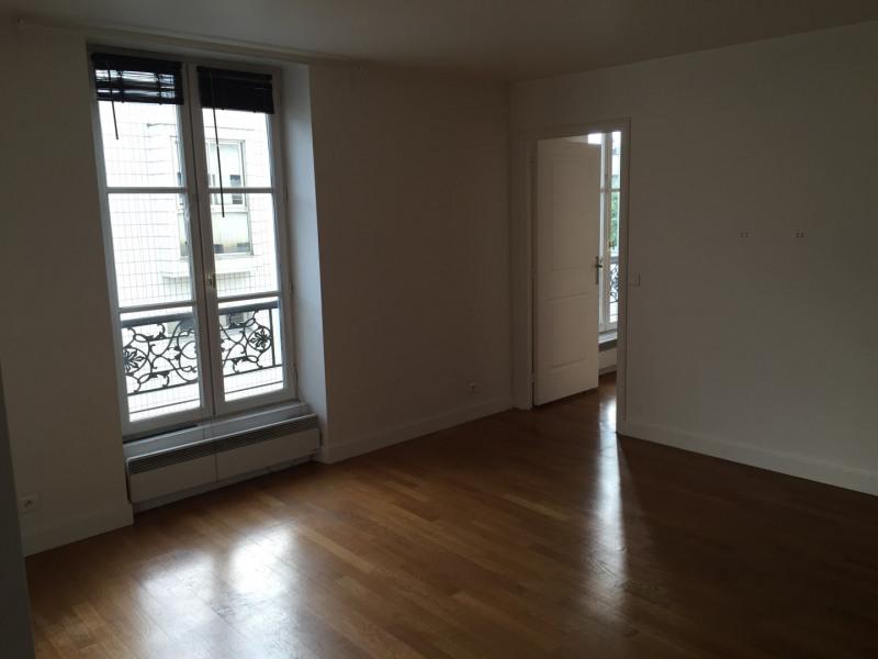 Rental apartment Paris 11ème 1470€ CC - Picture 2