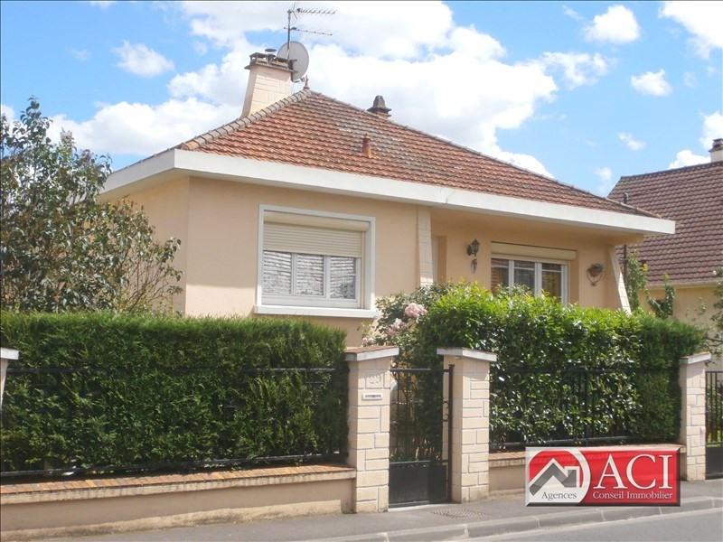 Sale house / villa Montmagny 304500€ - Picture 1