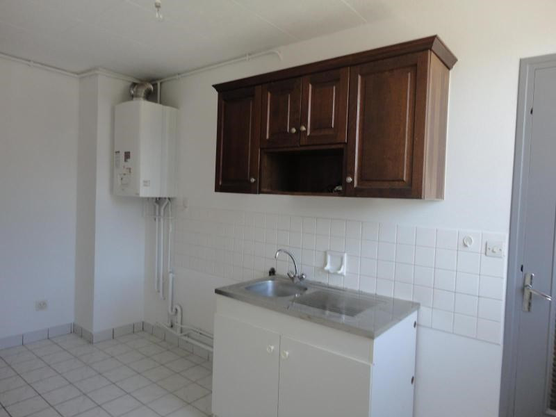 Location appartement Fontaine 582€ CC - Photo 1