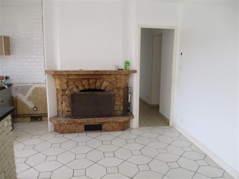Sale house / villa St jean d angely 111800€ - Picture 3
