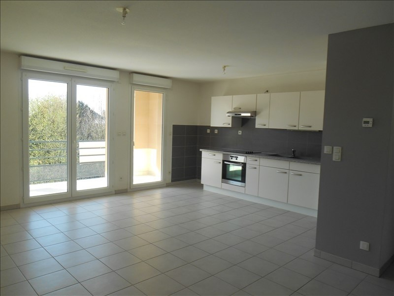 Rental apartment St julien les villas 720€ CC - Picture 1