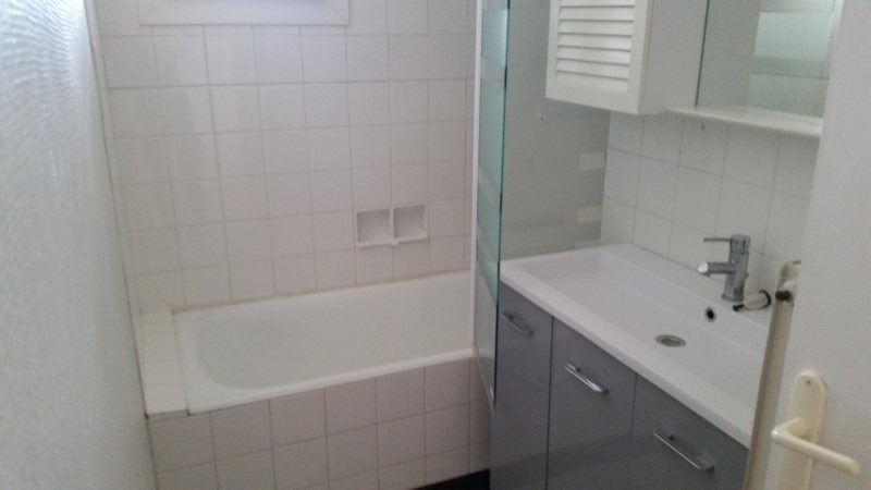 Sale apartment Roanne 48990€ - Picture 3