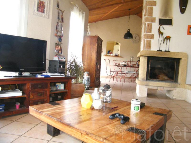 Sale house / villa Vezins 244000€ - Picture 1