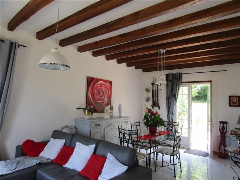 Sale house / villa St hilaire d estissac 220000€ - Picture 2