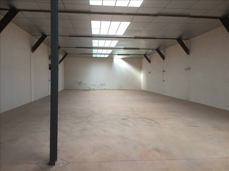 Location local commercial Le coteau 900€ HT/HC - Photo 1
