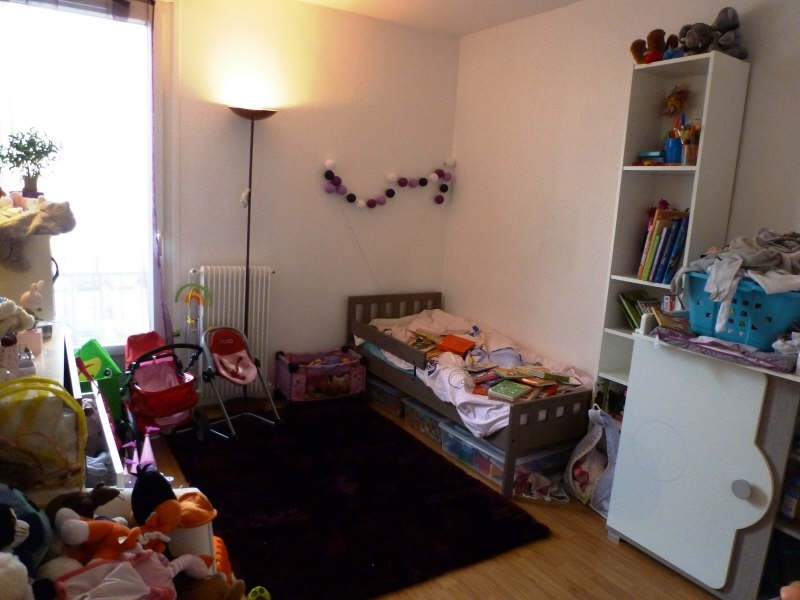 Rental apartment Maurepas 752€ CC - Picture 4
