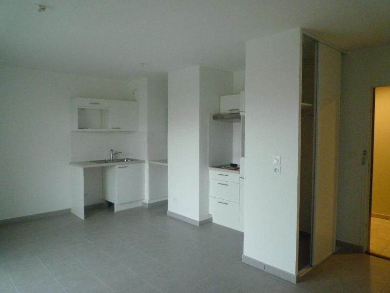 Location appartement Saint fons 555€ CC - Photo 3