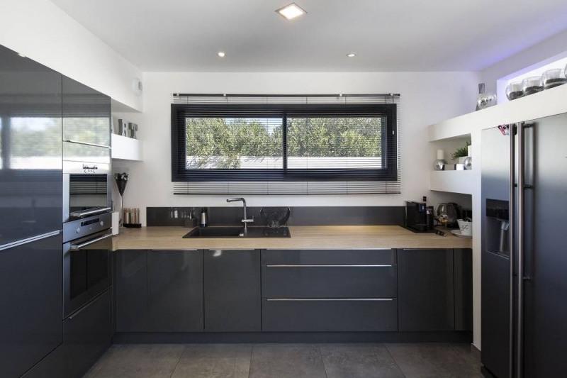 Deluxe sale house / villa Domazan 880000€ - Picture 10