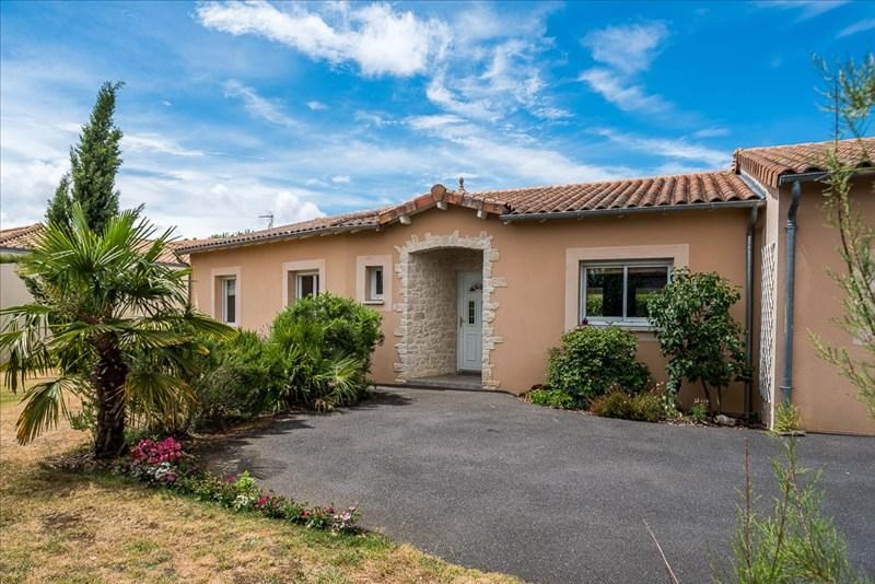 Vente maison / villa Liguge 327000€ - Photo 1