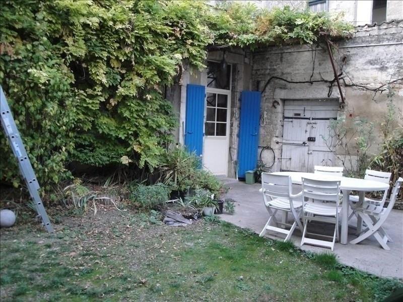 Deluxe sale house / villa Niort 307000€ - Picture 1