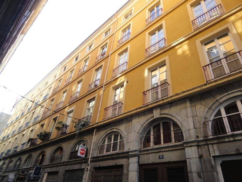 Location appartement Grenoble 375€ CC - Photo 3
