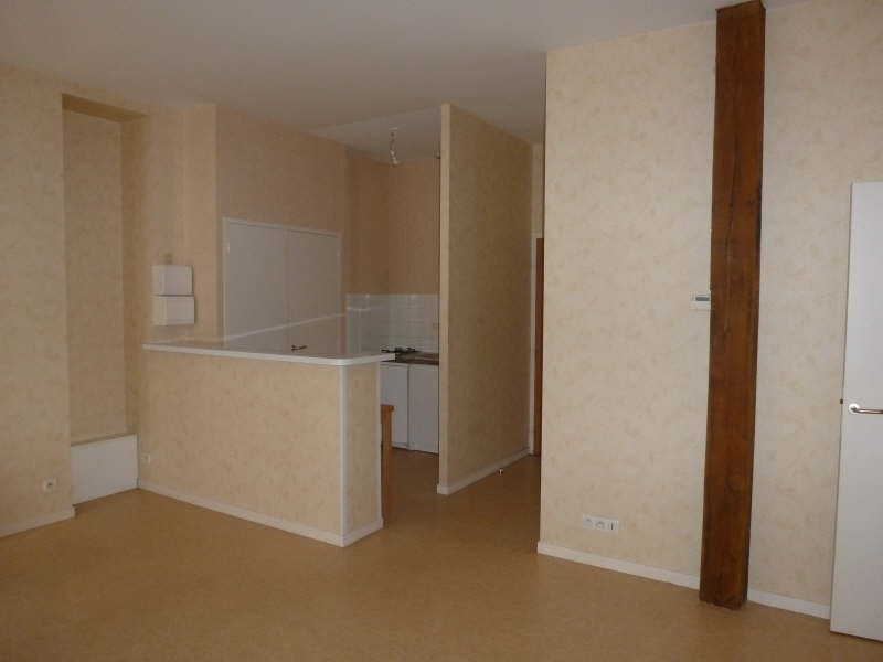Location appartement Chatellerault 402€ CC - Photo 1