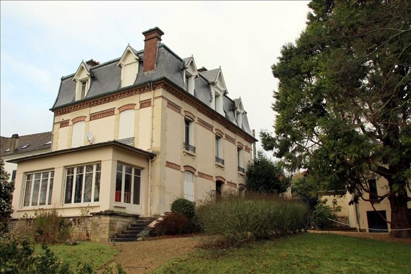 Sale house / villa Pontoise 888000€ - Picture 1