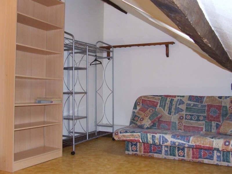 Rental apartment Avesnes sur helpe 330€ CC - Picture 1