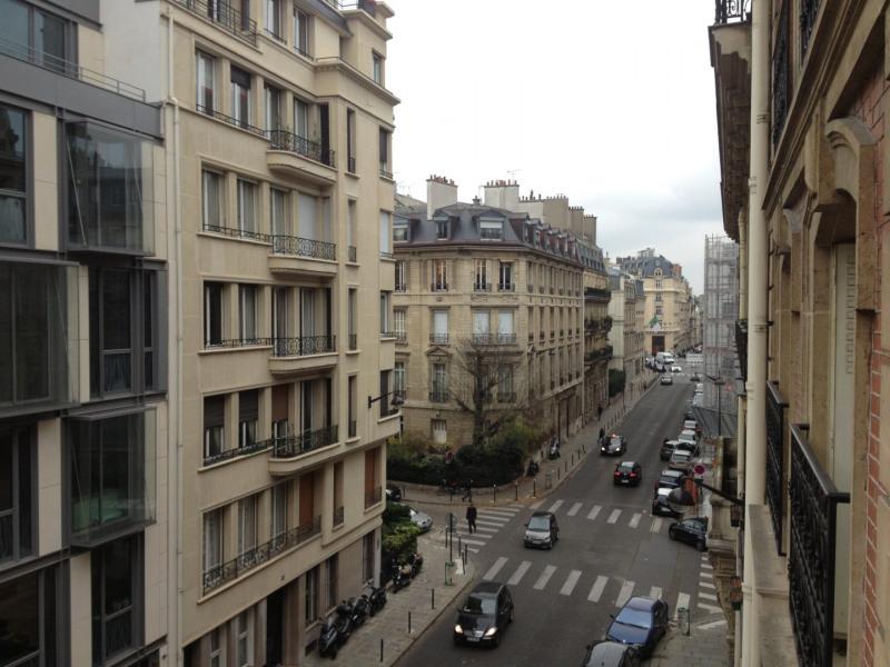 Rental apartment Paris 8ème 3565€ CC - Picture 11