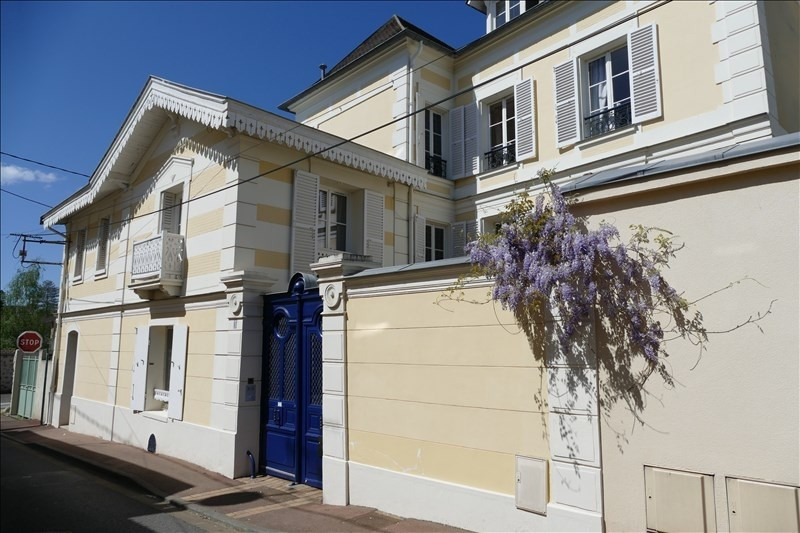 Deluxe sale house / villa Verrieres le buisson 1 390 000€ - Picture 1