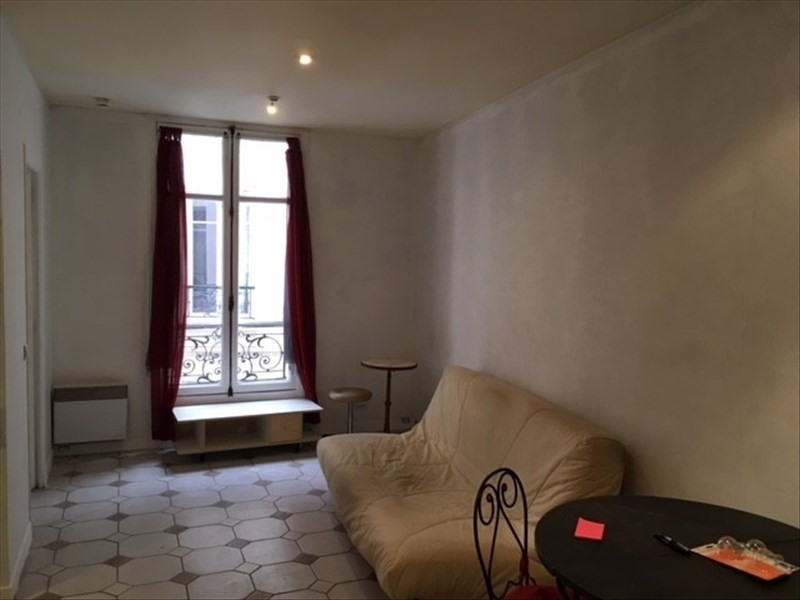 Rental apartment Paris 3ème 1 391€ CC - Picture 2