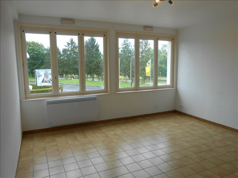 Location appartement St quentin 416€ CC - Photo 1
