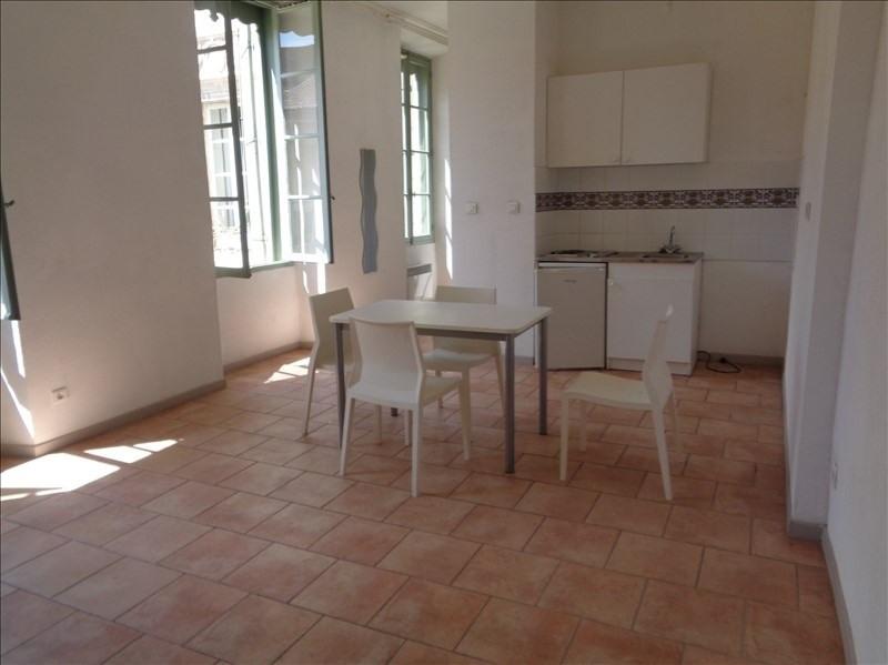 Location appartement Orange 400€ CC - Photo 1