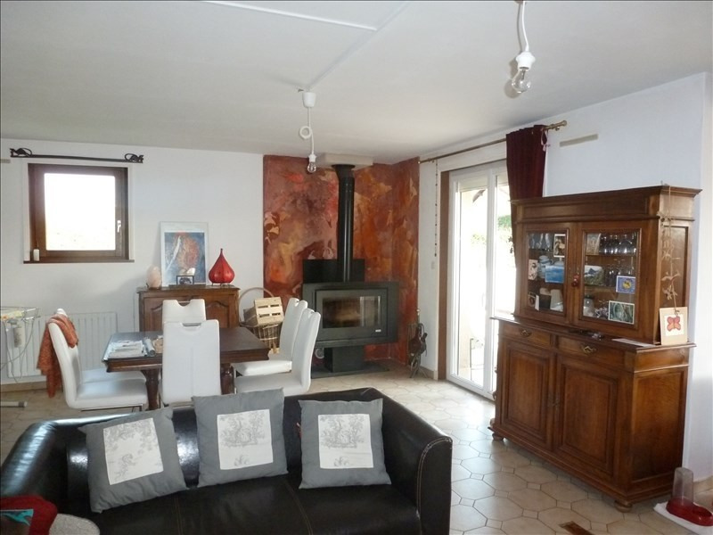 Sale house / villa Ouches 198000€ - Picture 2