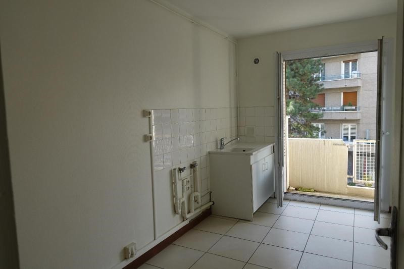Location appartement Grenoble 836€ CC - Photo 2