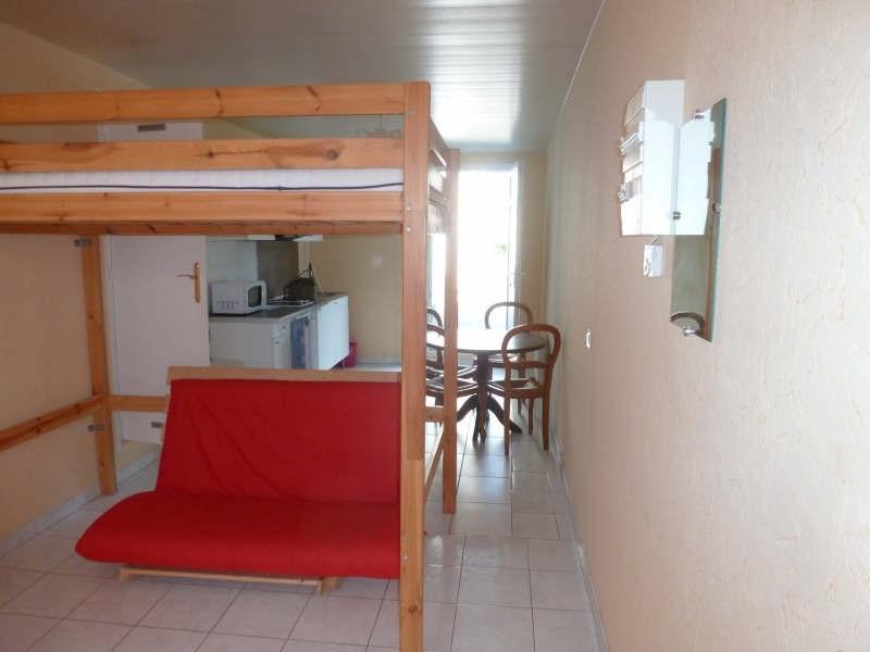 Rental apartment Maurepas 555€ CC - Picture 2