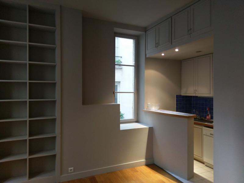 Rental apartment Paris 6ème 1500€ CC - Picture 2