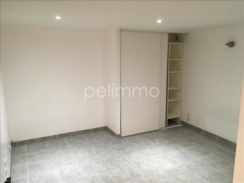 Rental apartment Eyguieres 451€ CC - Picture 4