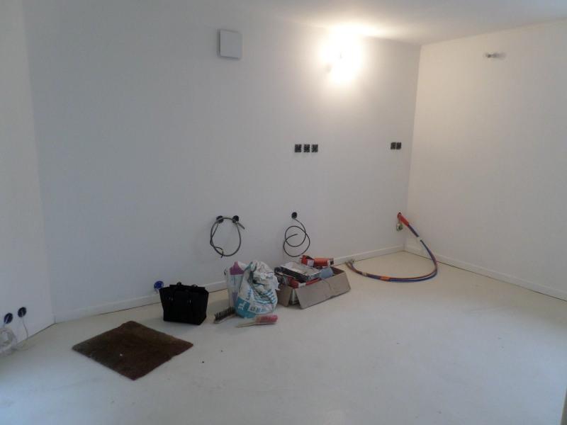 Sale house / villa Vals pres le puy 78800€ - Picture 2
