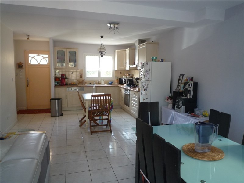 Sale house / villa St prim 237 000€ - Picture 3
