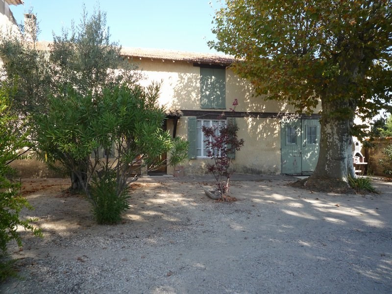 Investment property house / villa Jonquieres 493500€ - Picture 6