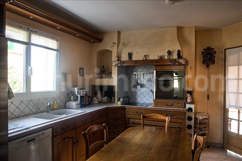 Sale house / villa St laurent de chamousset 345 000€ - Picture 4